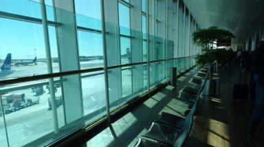 デンマークのカストラップ空港にあるポールケアホルムのPK22
